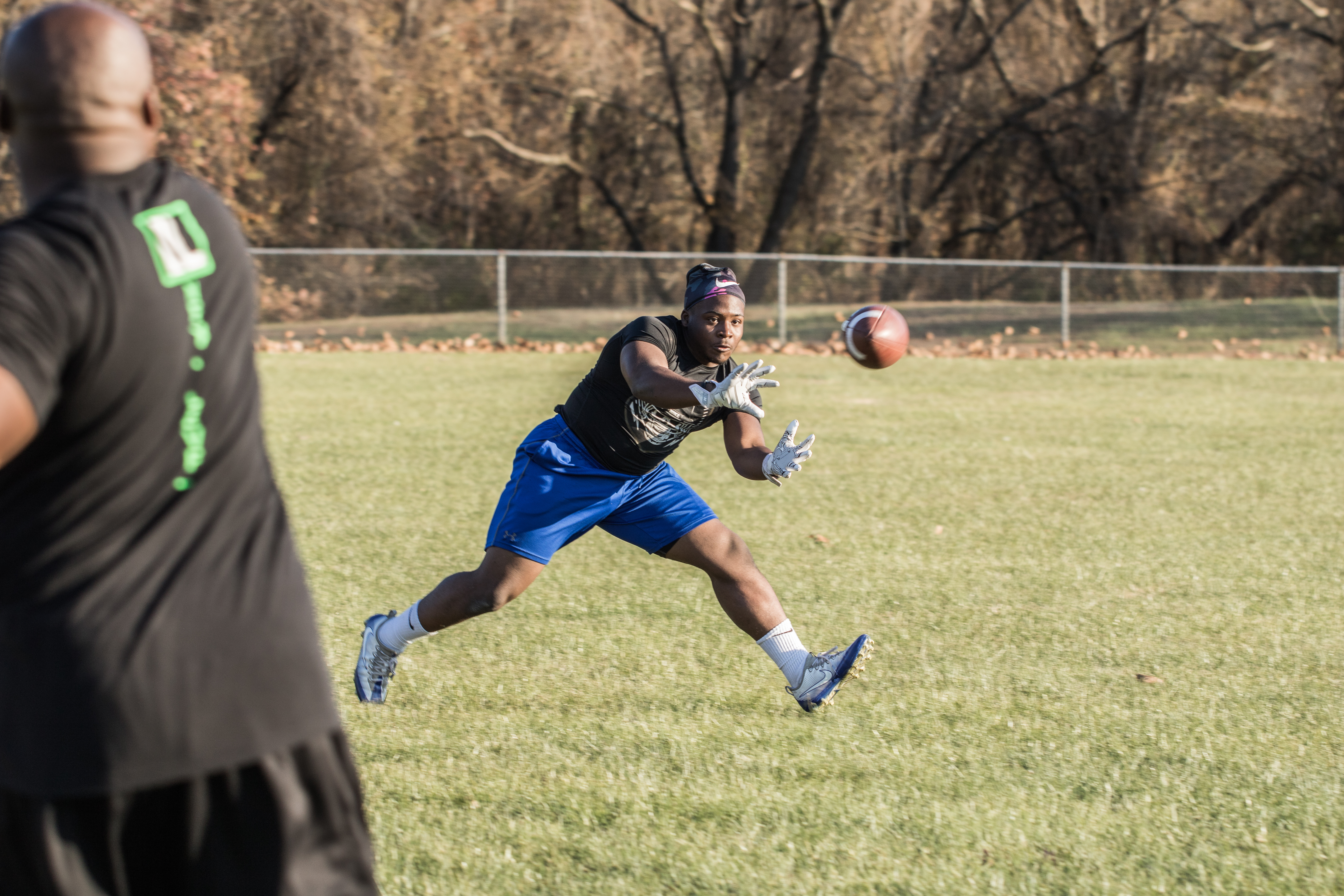 Ej catching the ball